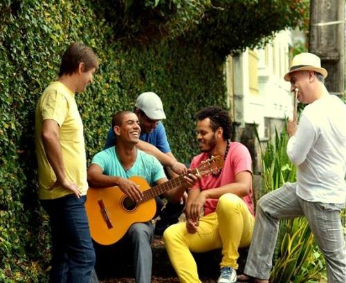 A banda Dibontom se apresenta, hoje, na Creperia Rouge. Créditos: Divulgação da Creperia
