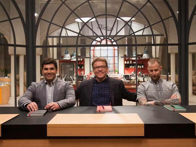 """Os chefs Felipe Bronze, Claude Troisgrois e André Mifano são os mentores do reality """"The Taste Brasil"""". Crédito: Divulgação do programa."""
