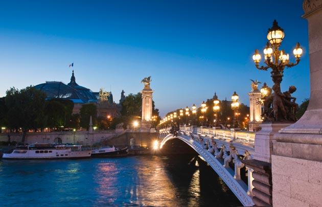 Ponte Alexandre III em Paris. Créditos: Thinkstock