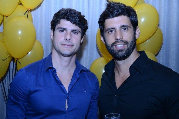 Bernardo e Simon Carrazzone Créditos: Ricardo Moreira/ Divulgação