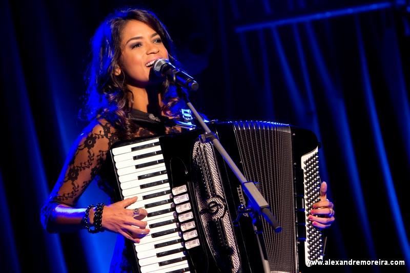 A cantora Lucy Alves   Crédito: Reprodução/Facebook