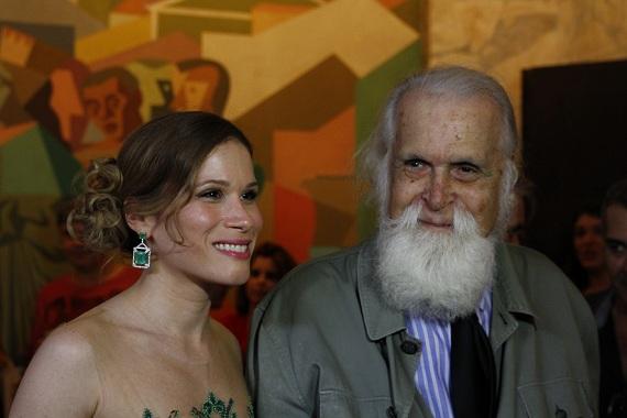Mariana Brennand, com Francisco Brennand. Crédito: Ricardo Fernandes / DP / D.A Press