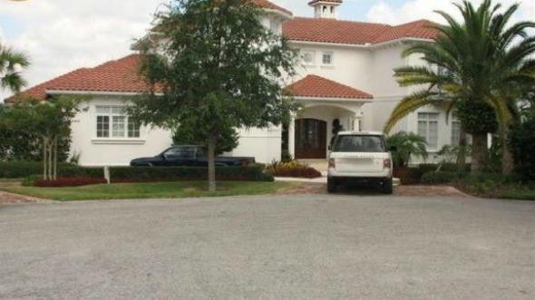 A mansão comprada pelo atleta tem dois andares e seis quartos. Crédito: Reprodução/Orlando Sentinel