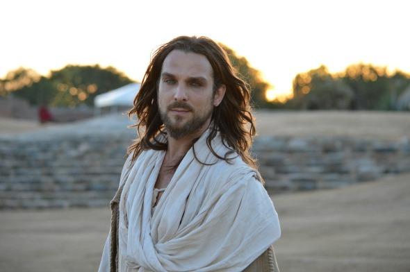 Igor Rickli, que  interpretou Jesus na Paixão de Cristo de Nova Jerusalém deste ano, é a grande atração do evento Crédito: Felipe Souto Maior/divulgação