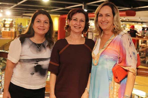 Danusa Nascimento, Paula Peixoto e Branca Brennand. Crédito: Nando Chiappetta/DP/D.A Press