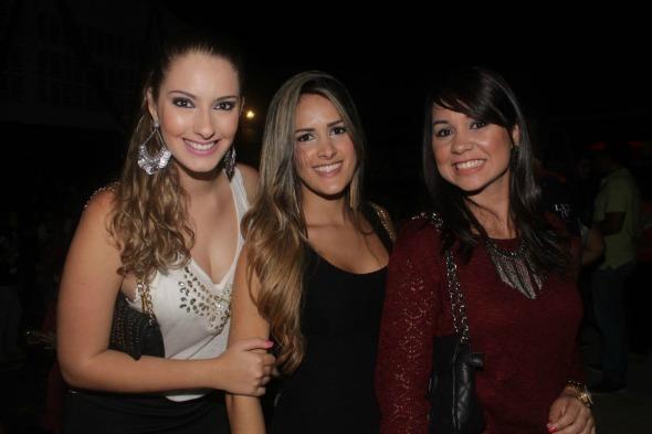 Juliana Carrero, Elisabete Moreira e Priscila Oliveira. Crédito: Vinícius Ramos
