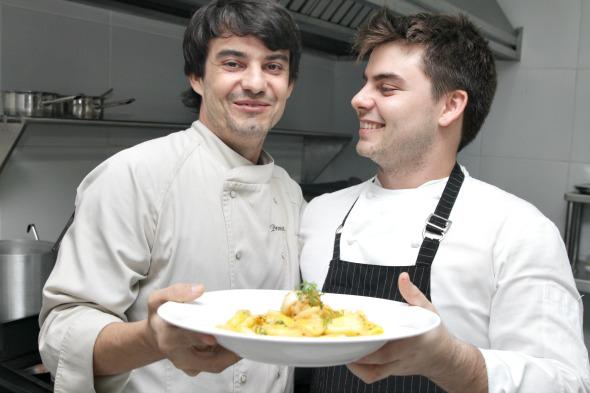 Hugo Prouvot (esquerda) inaugura novo restaurante no Parnamirim - Crédito: Roberto Ramos/DP/D.A Press