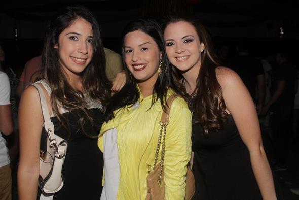 Lara Galiza, Camila Ramalho e Beatriz Carvalho. Crédito: Vinícius Ramos