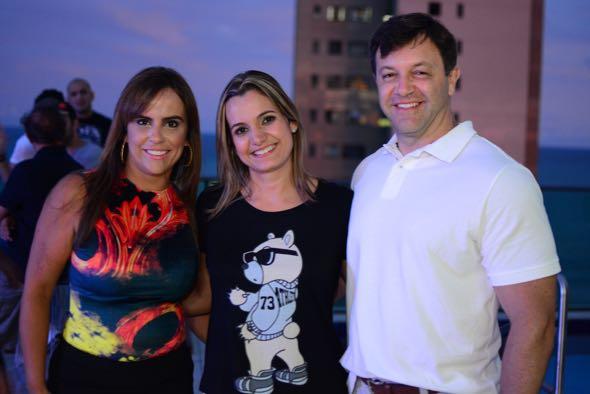 Fabiana e Jacques Waisman com Juliana. Crédito: Gabriel Pontual / Divulgação