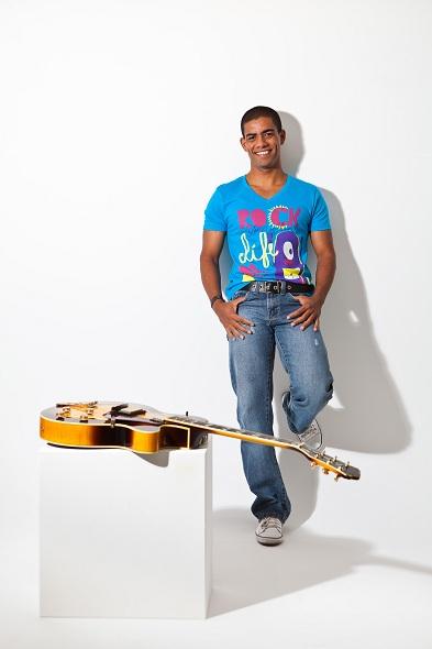 Leandro Melo vai cantar clássicos da carreira de Lulu Santos. Crédito: Divulgação do artista