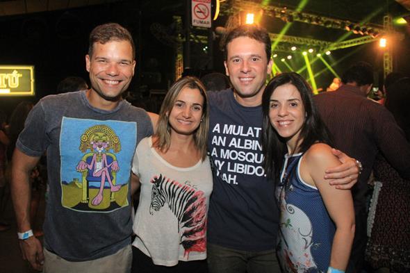 Bruno Cezar, Juliana Cavalcanti, Augusto e Cacau Acioli Créditos: Luiz Fabiano/ Comunnik