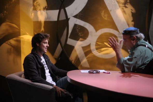 """Fábio Porchat como convidado do programa """"Provocações"""", da TV Cultura, apresentado por Antônio Abujamra. Crédito: Jair Magri/TV Cultura/Divulgação"""
