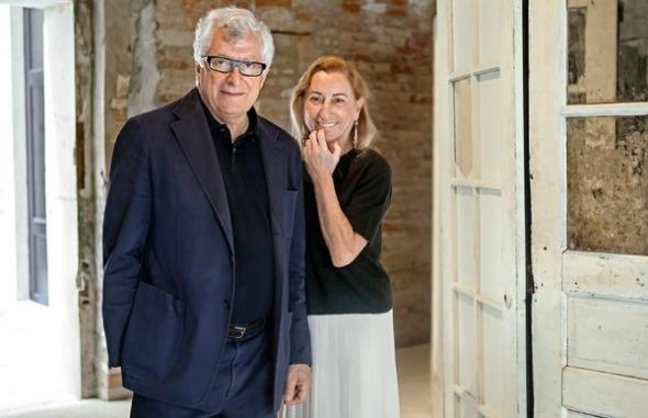 Miuccia Prada e o marido Patrizio Bertelli, nomes à frente da Prada Foundation. Crédito: Christian Jungeblodt