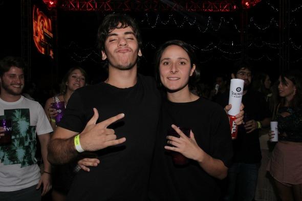 DJ Felipe Novaes e DJ Camila Cortez. Crédito: Larissa Nunes