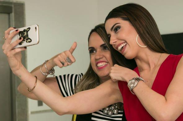 Raphaella Torres e Camila Coutinho - Crédito: Tatiana Sotero/DP/D.A Press