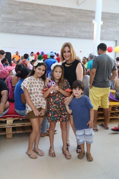 Bianca de Vettori, Clara, Sofia e João. Crédito: Guilherme Paiva / Divulgação