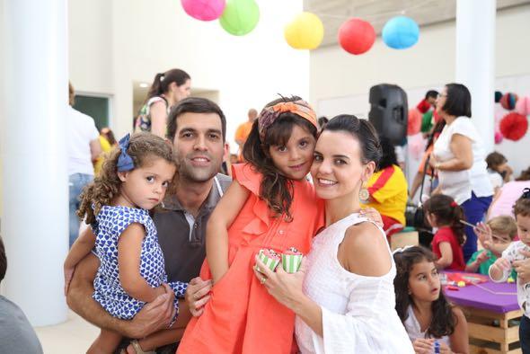 Isadora, Armando, Valentina e Carol Wall. Crédito: Guilherme Paiva / Divulgação