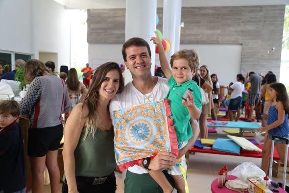 Renata, Pedro e Luiz Felipe Perrusi. Crédito: Guilherme Paiva / Divulgação