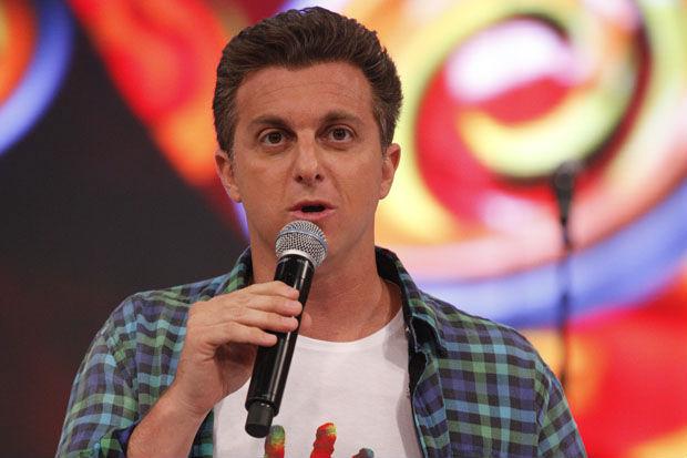 Luciano Huck passou mal nessa quinta e cancelou gravações que faria para seu programa Caldeirão do Huck -  Crédito: TV Globo/Divulgação