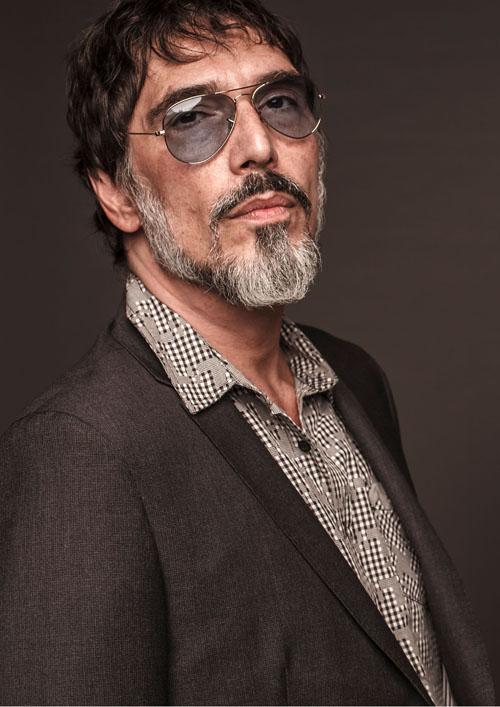 A apresentação de Lobão intercala canções com histórias adquiridas nos seus 40 anos de carreira Créditos: Divulgação