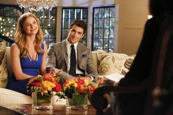 Emily VanCamp (Emily Torne) e Josh Bowman (Daniel Grayson) em cena do seriado Revenge. Crédito: Reprodução Facebook