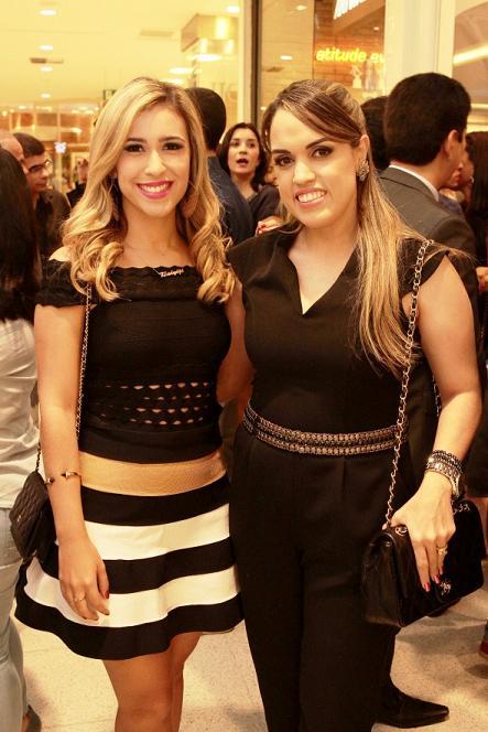 Dany Khadydja e Raphaella Torres armam brechó no Pop Day, dia 13 de junho, na AABB - Crédito: Nando Chiappetta/DP/D.A Press