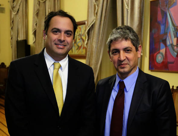 Paulo Câmara e o embaixador de IsraelFoto: Aloísio Moreira