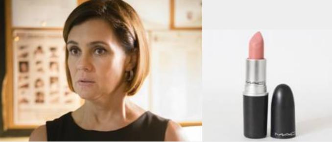 Adriana Esteves, que interpreta a personagem Inês na novela Babilônia,  usa batom Hue - Crédito: Divulgação/MAC Cosmetics