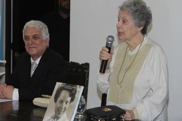 "Gritos de ""Viva Magdalena""e ""Viva Arraes"" eram ouvidos durante o discurso da homenageada Credito: Roberto Ramos/DP/D.A Press."