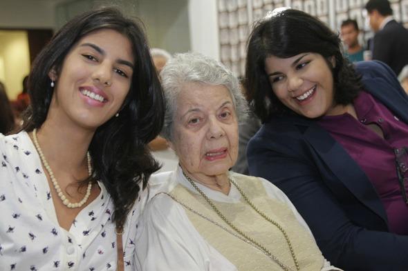 Clara, Magdalena e Elisa Arraes Credito: Roberto Ramos/DP/D.A Press.