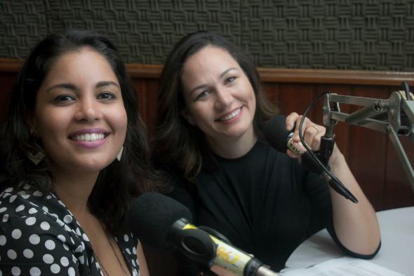 Mariane Bigio, do Cordel Animado e a jornalista Cláudia Bettini, do Corujices.com. Crédito: Divulgação