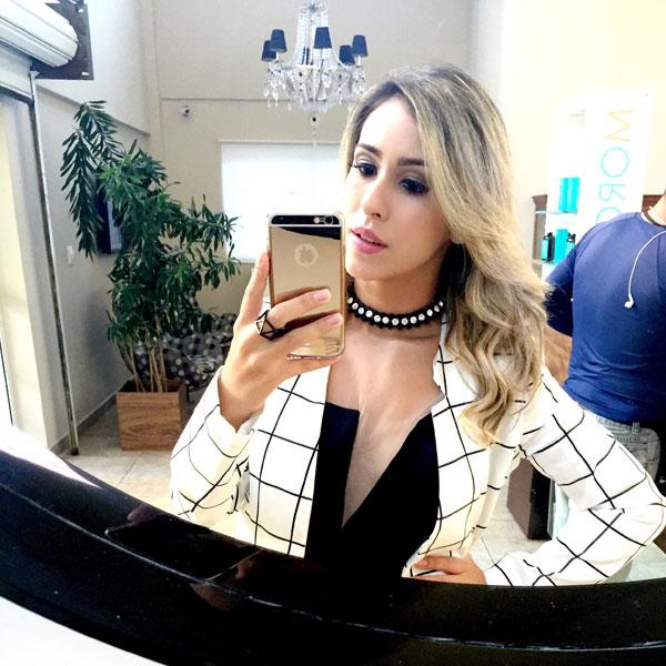 A blogueira Dany Khadydja preferiu o colar choker com pedrarias - Crédito: Arquivo pessoal/Dany Khadydja
