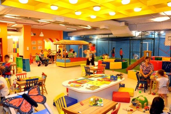 Espaço Pequenos Moleques nos shoppings. Crédito: Pequenos Moleques / Divulgação