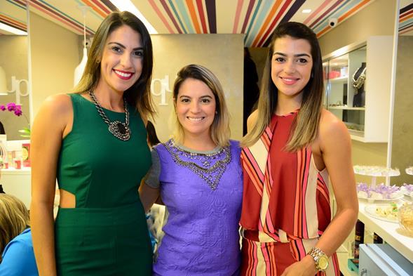 Rafaela Lucena, Fabiana Campos e Manuela Souza. Crédito: Gabriel Pontual/Divulgação