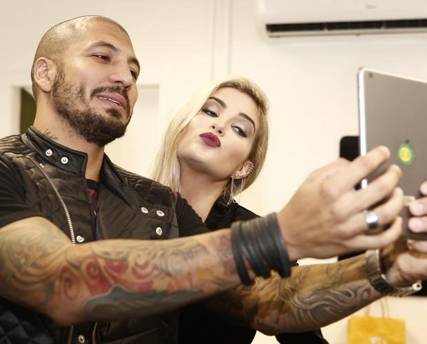 Os ex-BBBs Fernando e Aline participam da festa - Crédito: Inacio Moraes/GShow