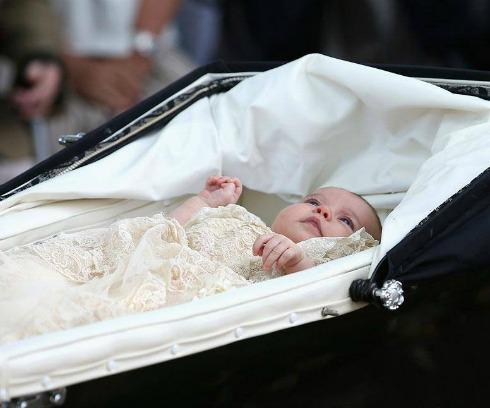 Princesa Charlotte. Crédito: Reprodução/Facebook Oficial da Família Real