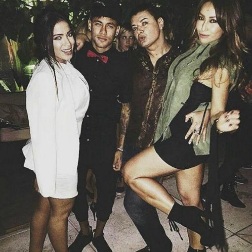 Anitta, Neymar, David Brazil e Sabrina Sato. Crédito: Reprodução Instagram