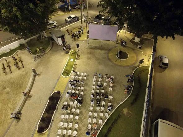 Exibição dos curtas na primeira etapa do festival, nos bairros de Ipojuca. Crédito: Reprodução/Usetec Tecnologia