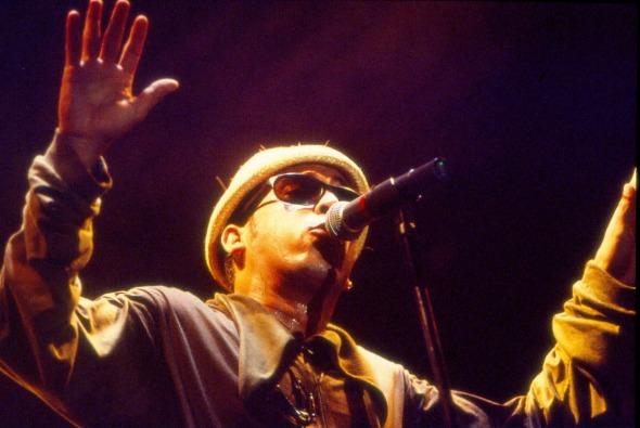 Chico Science em apresentação no Abril Pro Rock em 1995. Crédito: Geyson Magno/DP/D.A Press