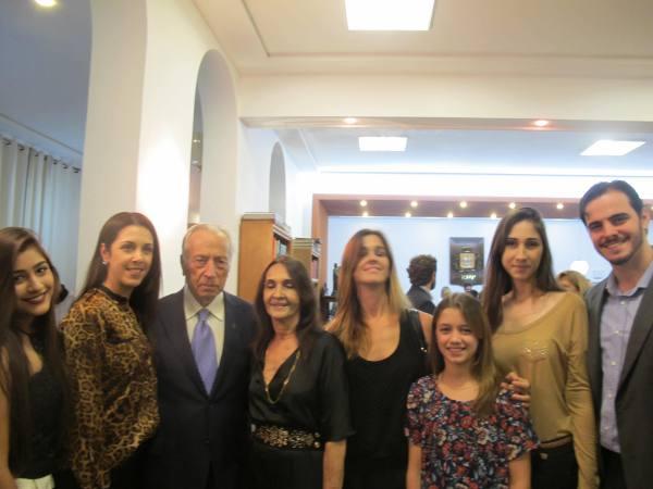 Armênio e Célia com filhas e neta