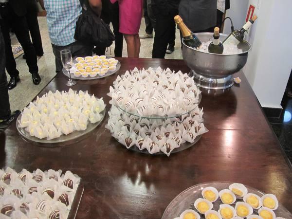 A irresistível mesa de doces portugueses