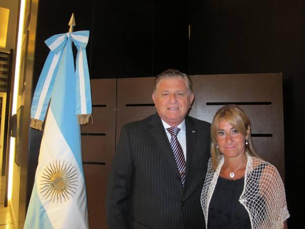 O cônsul e sra. Jaime e Patrícia Beserman