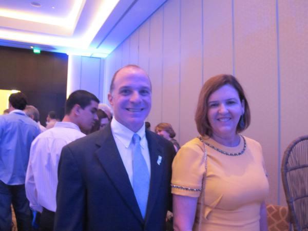 Cônsul dos Estados Unidos Richard Reiter e Valeria