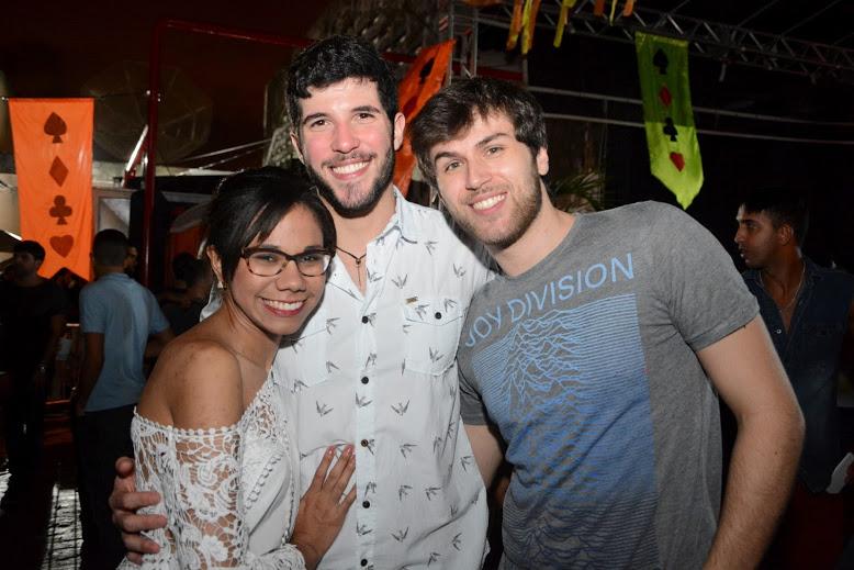 Carolina Carvalho, Victor Lira e Vinicius Almeida  Créditos: Gabriel Pontual/Moove Comunicação