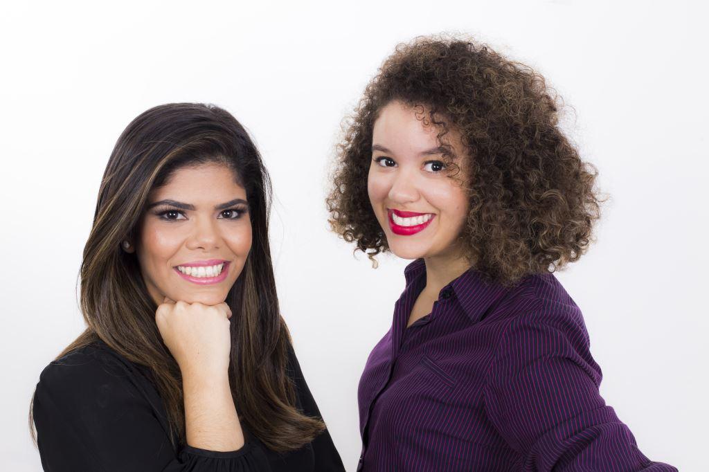 Paula Arcoverde e a blogueira Juliana Nascimento Créditos: Eduardo Calado/Divulgação