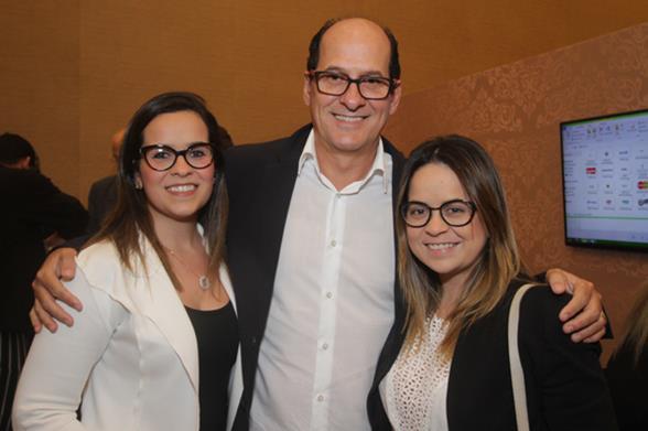 Juliana Queiroz, Queiroz Filho e Eduarda Queiroz. Crédito: Roberto Ramos/DP/D.A. Press