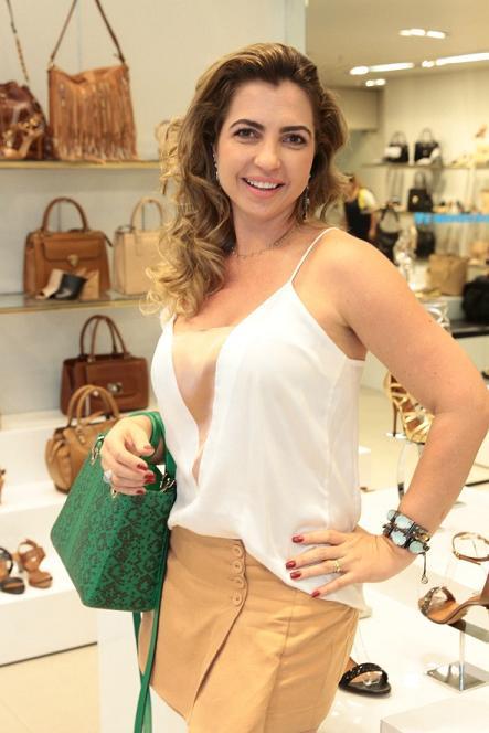 Paula Accioly arma desfile no Shopping Recife -  Crédito: Nando Chiappetta/DP/D.A Press