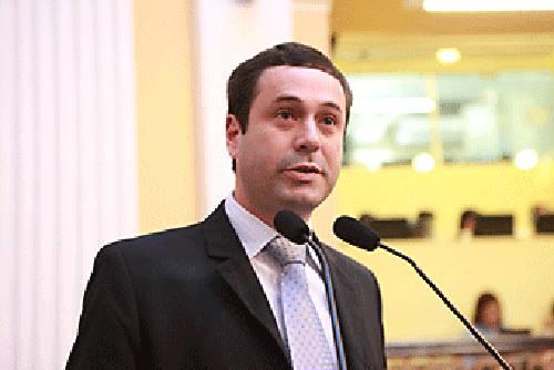 Júlio Cavalcanti/Divulgação