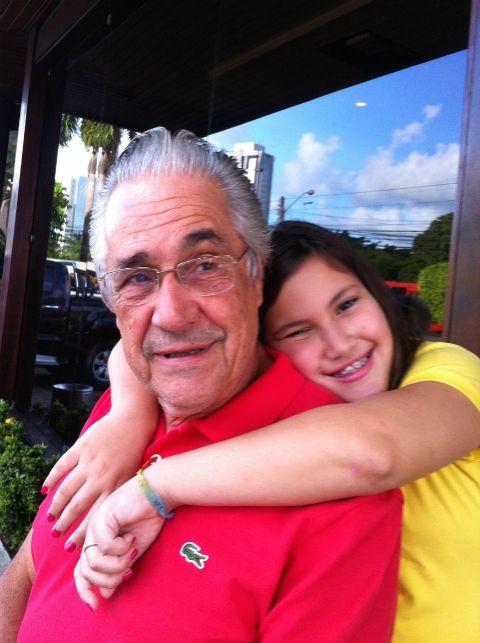 Marcello e a neta Beatriz, de 12 anos. Crédito: Arquivo Pessoal