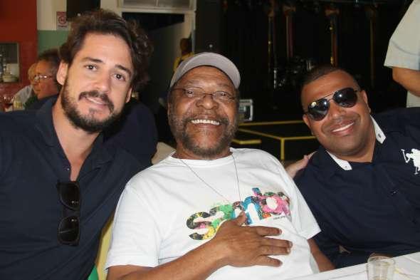 Guilherme Menezes, Martinho da Vila e Luciano Ferreira. Crédito: Divulgação